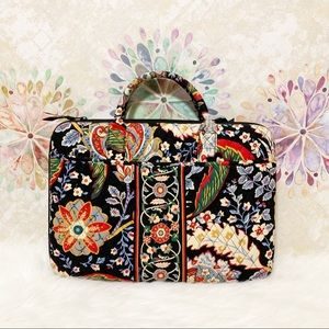 Vera Bradley Bags - Vera Bradley Hardshell Laptop Case